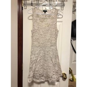 Dilemma strapless lace dress!!
